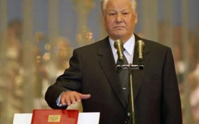 Конституция, что дышло. Это не устают демонстрировать власти в Архангельской области