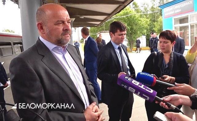 В Северодвинск прибыл «сказочный поезд». Всё – ради спасения репутации «Единой России»