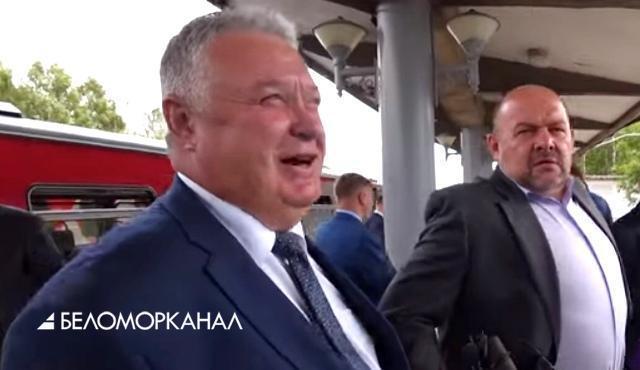 «Полюбившийся». Рельсовый автобус втюхивают Архангельской области исключительно по любви?