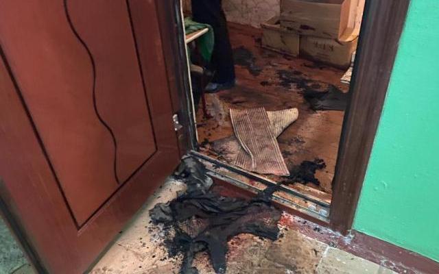 Северодвинец, стоящий на учете в ПНД, убил мать ломом и подпалил квартиру