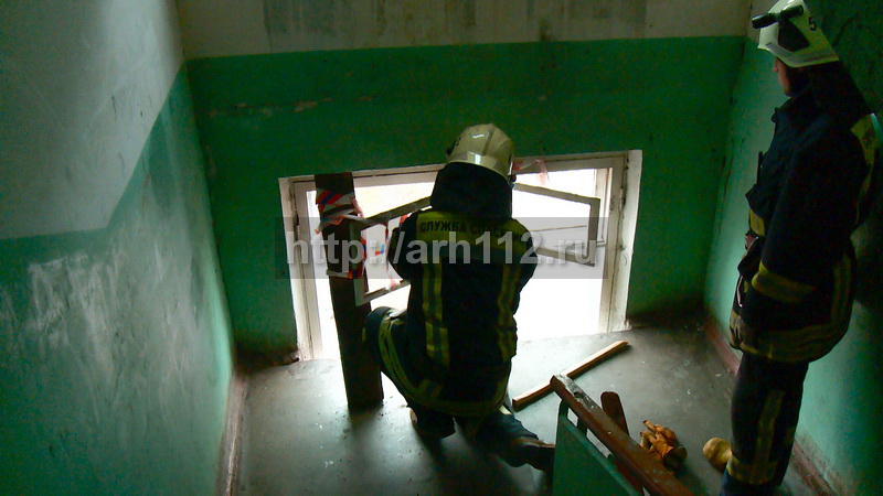 ВАрхангельске мужчина выпал сседьмого этажа