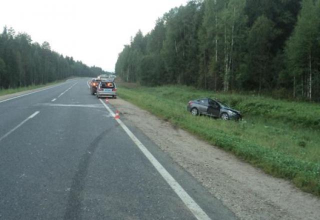 Водитель изАрхангельской области умер вДТП слосем под Верховажьем