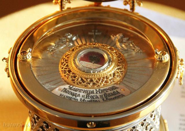 В Архангельск прибудет православная святыня: частица Хитона Иисуса Христа