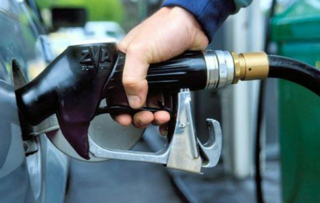 Цена набензин вАлтайском крае не изменяется уже месяц— УФАС