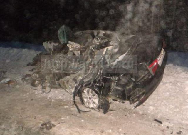 ВАрхангельской области при столкновении легковушки илесовоза умер мужчина