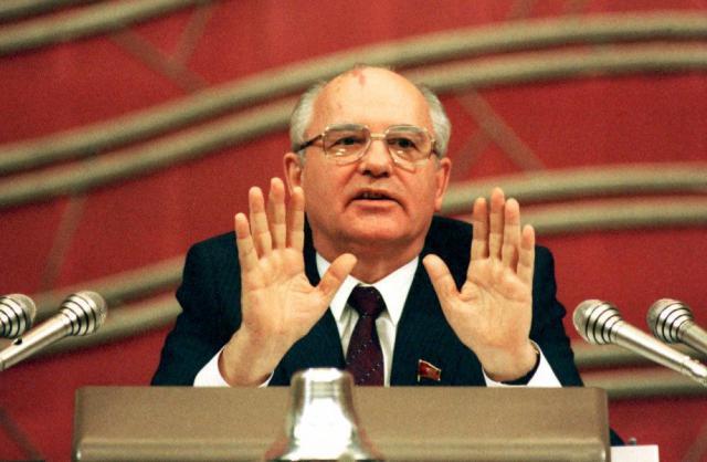 В день рождения Сталина вспомним Горбачева