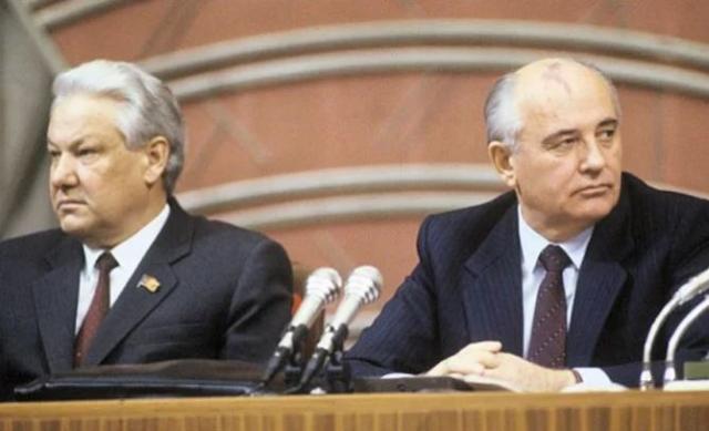 Вместо революционера получился могильщик. Михаилу Горбачеву исполнилось 90 лет