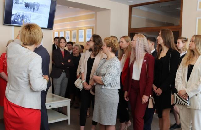Работа северодвинск для девушек работа онлайн в интернете для девушки